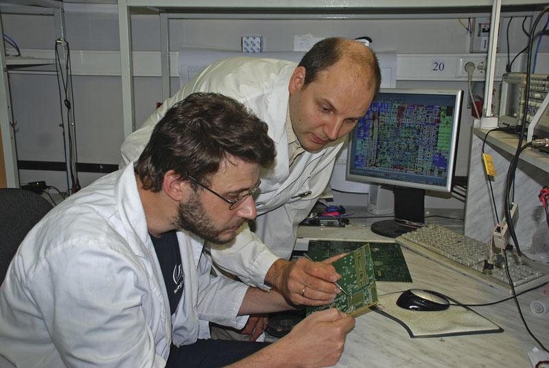 каком банке работа в москве для инженера электроника всей